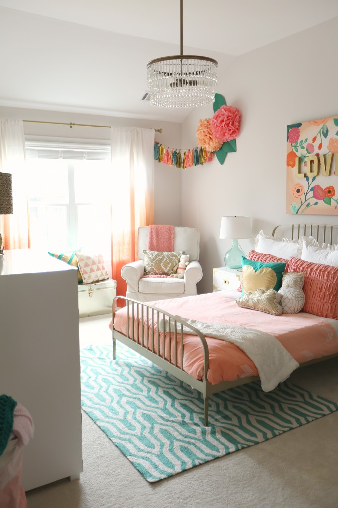 House Tour: Cricket's Room